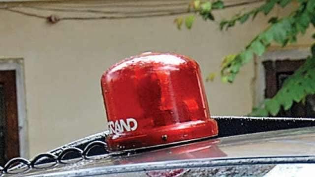 459296-red-beacon-car