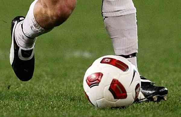 Soccer_Ball_Dribbling_1377135542830_785906_ver1