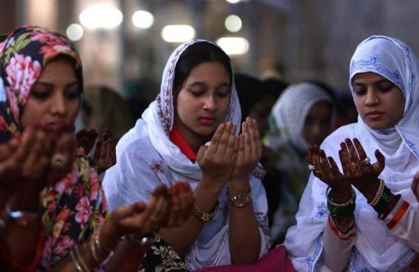 Muslim-women-fight-to-overturn-triple-talaq-in-India