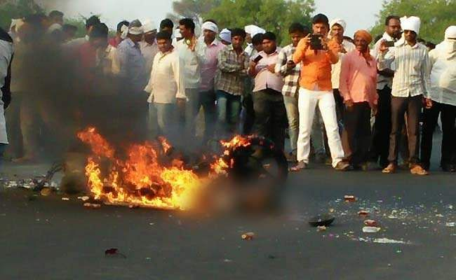 beed-accident7565
