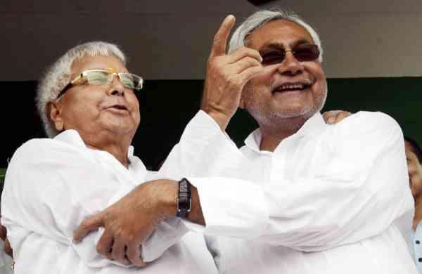 Former-Chief-Ministers-of-Bihar-RJD-chief-Lalu-Prasad-Yadav-and-JD-U-leader-Nitish-Kumar2