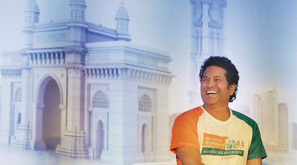 sachin-tendulkar-at-an-event_48c06b98-784b-11e7-83e1-68866f5cbeee
