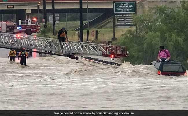 texas-flood-rescue-fb-650_650x400_41502249827
