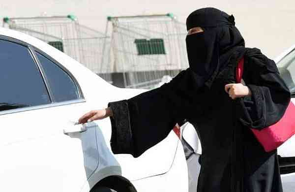 saudi-woman-driving-generic-afp_650x400_51506138878