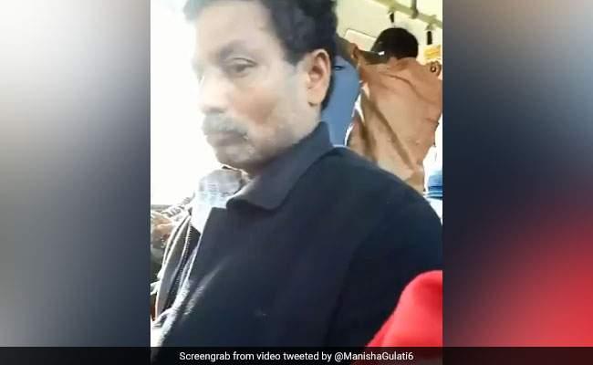man-masturbates-on-delhi-bus