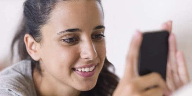 n-TEEN-CELL-PHONE-