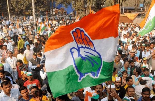 Supporters-celebrating-congress-win-in-WB-fb-min