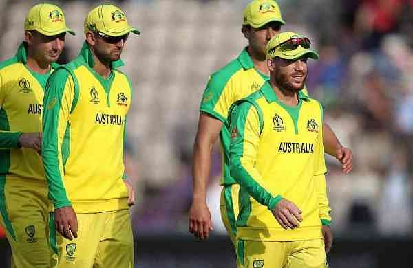 australias-david-warner-with-team-mates