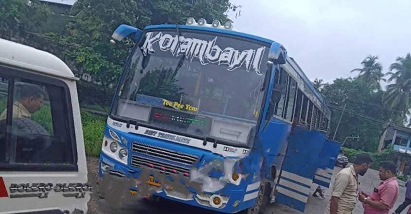 bus-conducter-malappuram