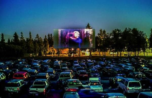 Drive_IN_CINEMA
