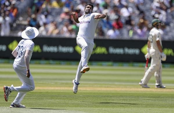 r ashwin celebrating the wicket of smith