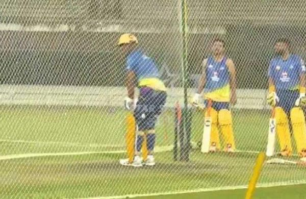 dhoni_in_nets