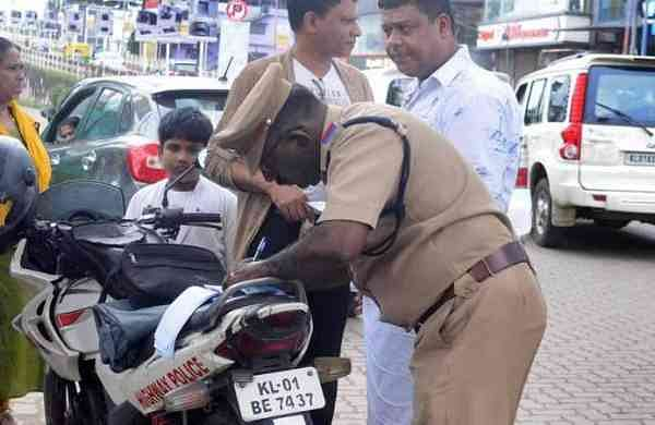 trafficpolice11