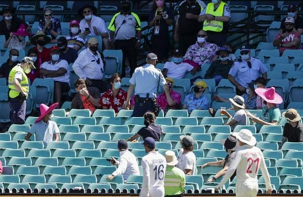 6_people_from_the_crowd_removed_from_sydney