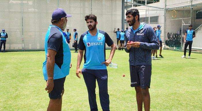 indian_pacer_bumrah_and_shardul