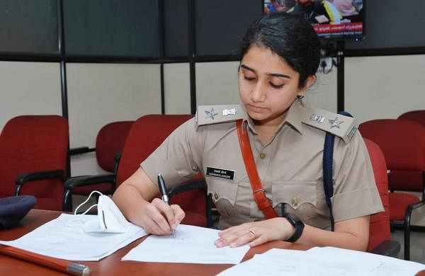 Warning to Kochi DCP aiswarya_dongre