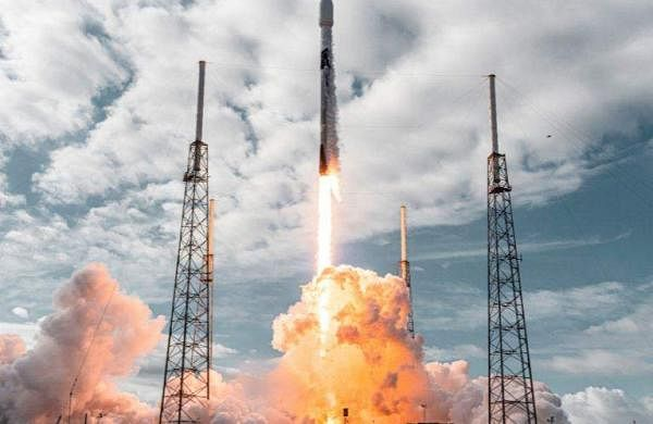 SpaceX_launched_Falcon_9_rocket