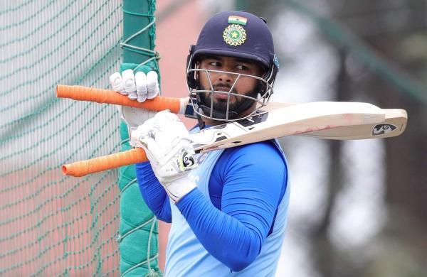 indian wicket keeler rishabh pant