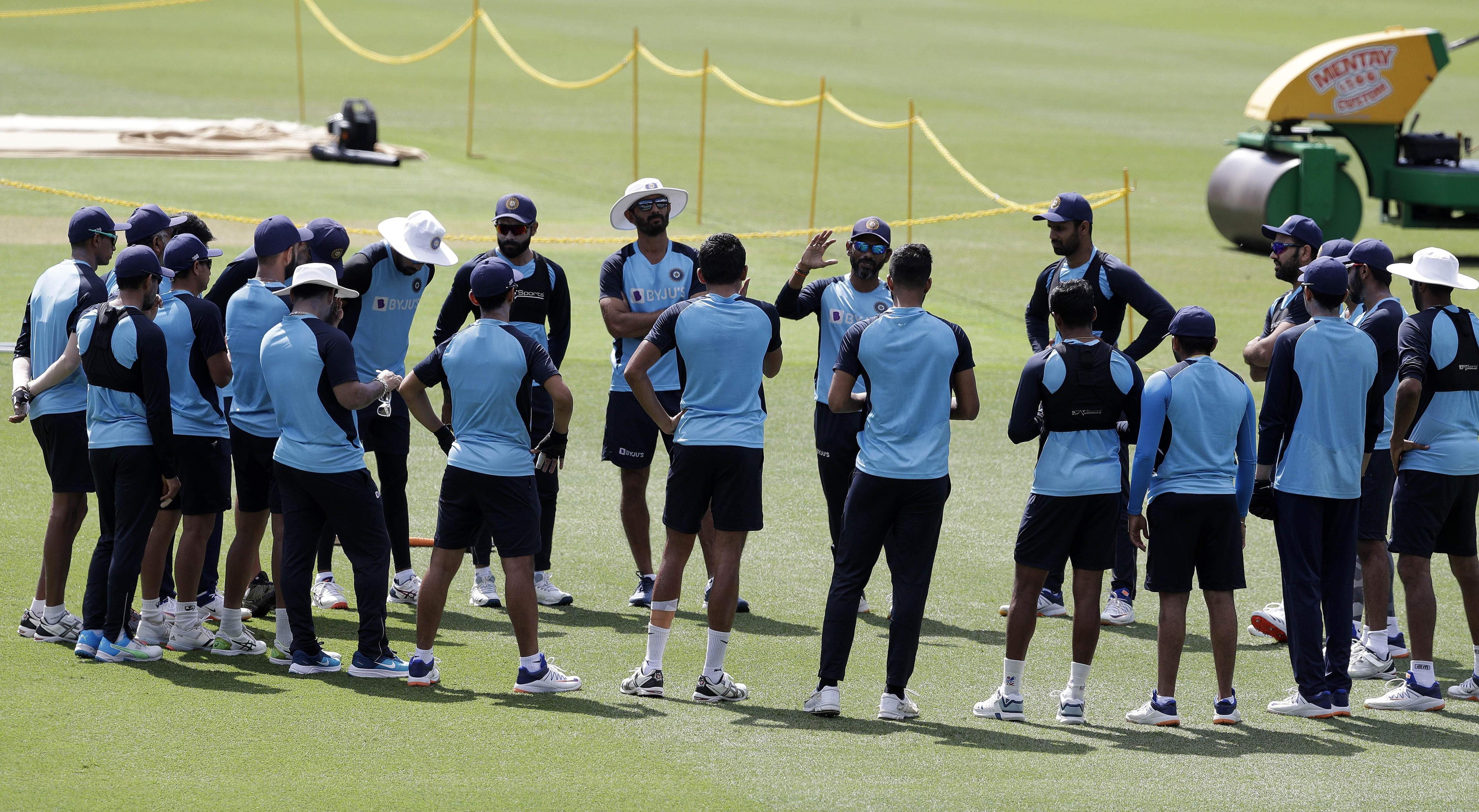 indian_cricket_team_in_sydney