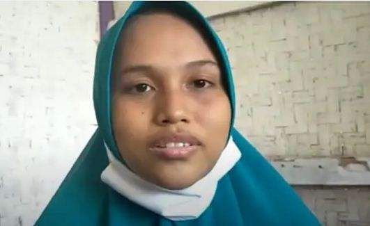 Indonesian woman says gust of wind made her pregnant