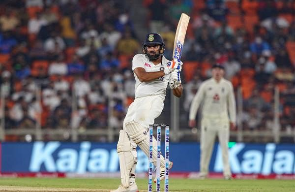rohit_sharma_bating_in_pink_ball_test