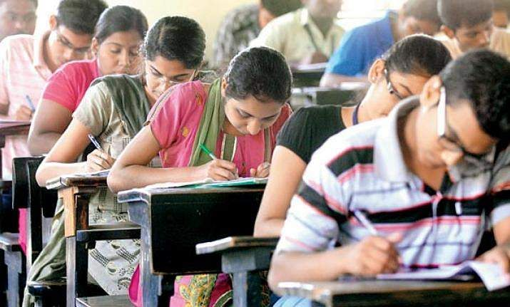 Maths, physics not a must for engineering: AICTE