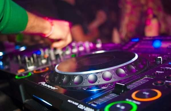 DJ_party_raid