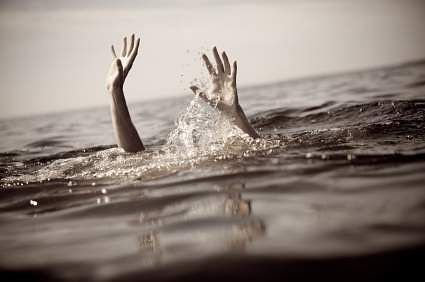two students drowned to death