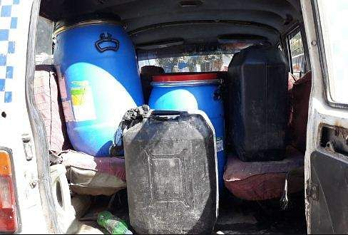 130 liters of wash and equipment were seized