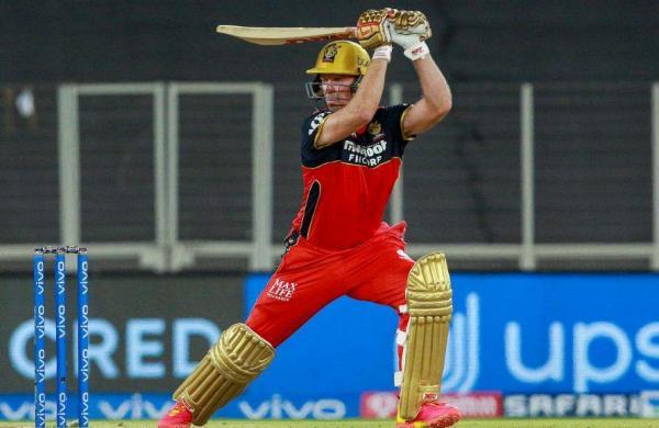 De Villiers again on fire