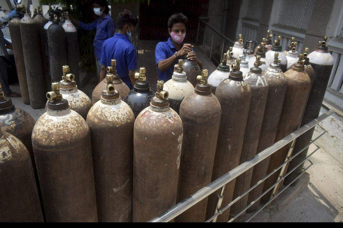 oxygen_cylinders_PTI