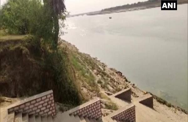 unidentified bodies found floating in river Ganga