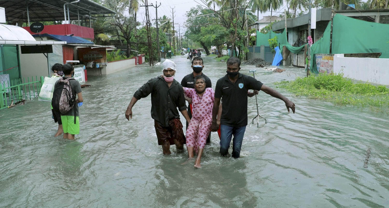 Kochi_residents_relocate