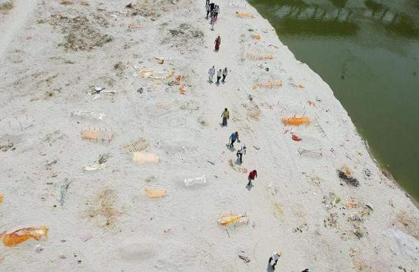 Bodies found buried in sand on banks of Ganga