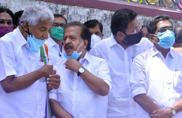 Oommen Chandy and Chennithala unite against Satheesan