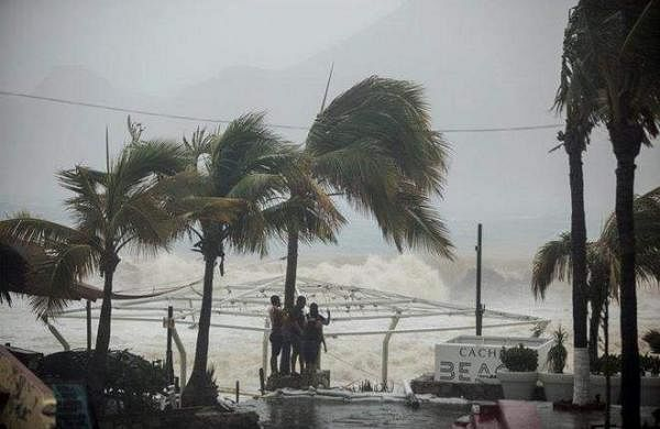 Strong wind in coastal regions of Kerala