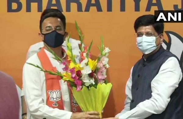 Congress leader Jitin Prasada joins BJP
