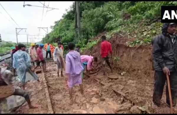 rains batter Maharashtra