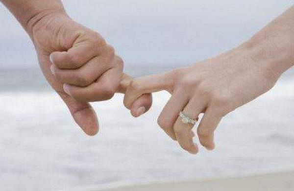 woman 'eloped' 25 times with different me